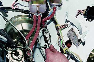 замена цилиндра сцепления ваз 2106