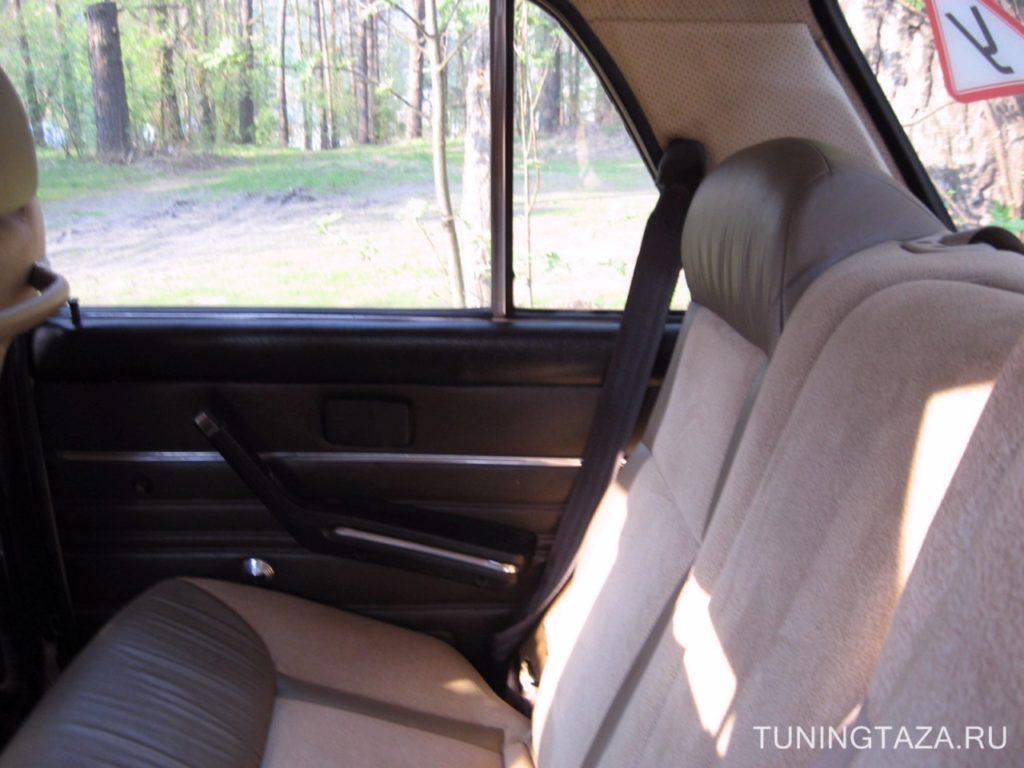 Также было установлено заднее кресло на ваз 2106