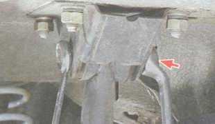 статья про Снятие и установка продольных штанг задней подвески на автомобиле ВАЗ 2106