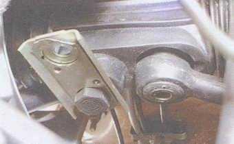 статья про замена рулевой тяги, замена наружного наконечника рулевой тяги и замена пыльника шарового шарнира на автомобиле ваз 2108, ваз 2109, ваз 21099