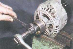 статья про замена шкива генератора 94.3701 на автомобиле ваз 2108, ваз 2109, ваз 21099