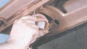 статья про снятие, ремонт и установка стеклоочистителя двери задка на автомобиле ваз 2108, ваз 2109