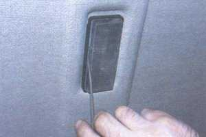 статья про замена лампы плафона освещения салона на автомобиле ваз 2108, ваз 2109, ваз 21099
