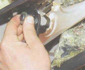 статья про замена втулок оси педали сцепления на автомобилях ваз 2108, ваз 2109, ваз 21099