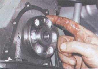 статья про замена заднего сальника коленвала на автомобилях ваз 2108, ваз 2109, ваз 21099