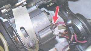 статья про снятие и установка генератора 37.3701 на автомобилях ваз 2108, ваз 2109, ваз 21099
