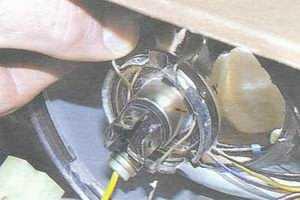 статья про замена ламп фар на автомобиле ваз 2108, ваз 2109, ваз 21099
