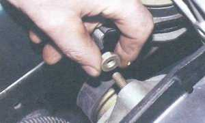 статья про снятие и установка генератора 94.3701 на автомобилях ваз 2108, ваз 2109, ваз 21099
