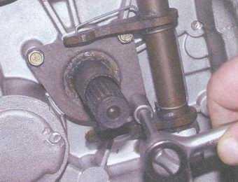 статья про замена сальников коробки передач на автомобилях ваз 2108, ваз 2109, ваз 21099