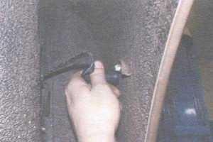 статья про замена лампы бокового повторителя указателя поворота на автомобиле ваз 2108, ваз 2109, ваз 21099