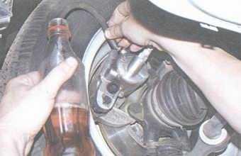 статья про прокачка тормозной системы на автомобиле ваз 2108, ваз 2109, ваз 21099