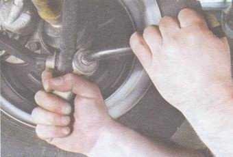 статья про замена деталей стабилизатора поперечной устойчивости на автомобиле ваз 2108, ваз 2109, ваз 21099