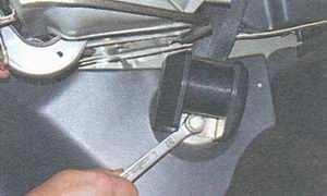статья про замена заднего ремня безопасности автомобиля ваз 21099