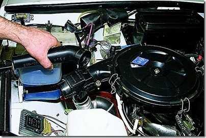 Снятие терморегулятора воздушного фильтра ВАЗ 21213, 21214 (Нива)