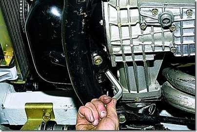 Замена масла в двигателе ВАЗ 21213, 21214 (Нива) своими руками