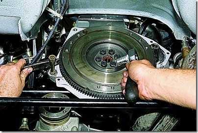 Замена заднего сальника коленчатого вала ВАЗ 21213, 21214 (Нива)