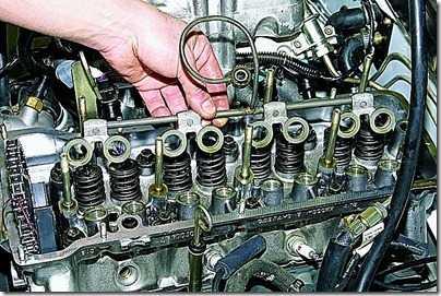 Замена гидравлических опор (гидроопор) рычагов привода клапанов впрыскового двигателя ВАЗ 21213, 21214 (Нива)