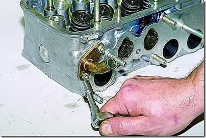 Снятие и разборка головки блока цилиндров впрыскового двигателя ВАЗ 21213, 21214 (Нива)