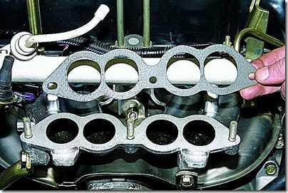 Снятие ресивера впрыскового двигателя ВАЗ 21213, 21214 (Нива)