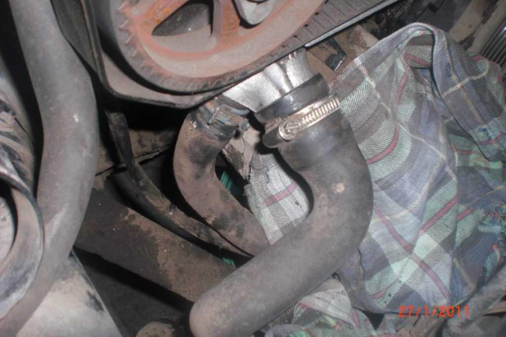 Замена термостата на Audi А8 2.8 AQD