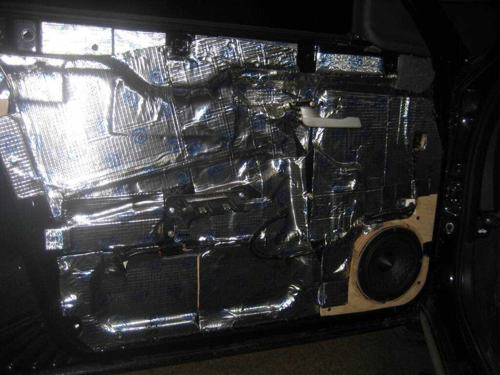 Шумоизоляция багажника шкода