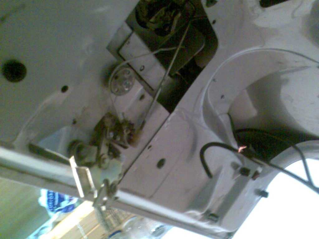 Электропривод замка багажника Волги Газ 3110
