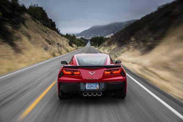 2014-Chevrolet-Corvette-03