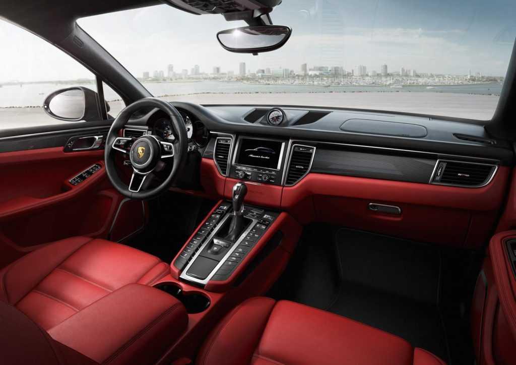 Porsche-Macan-Turbo-interior