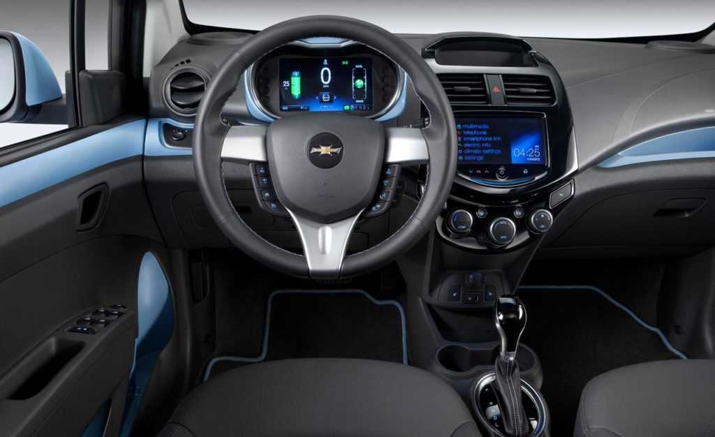 2014-chevrolet-spark-ev-interior-photo-488253-s-1280x782