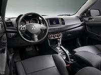салон Mitsubishi Lancer X