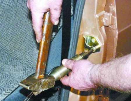 Регулировка дверей Ваз 2107 ударной отверткой