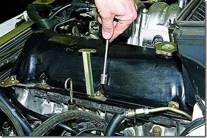 Замена прокладки крышки головки блока цилиндров ВАЗ 21213, 21214 (Нива)