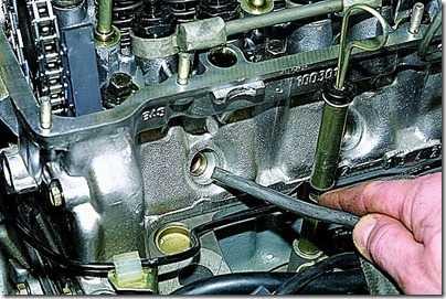 Замена маслоотражательных колпачков механизма газораспределения ВАЗ 21213, 21214 (Нива)