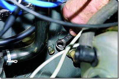 Замена охлаждающей жидкости (тосола, антифриза) на ВАЗ 21213, 21214 (Нива)